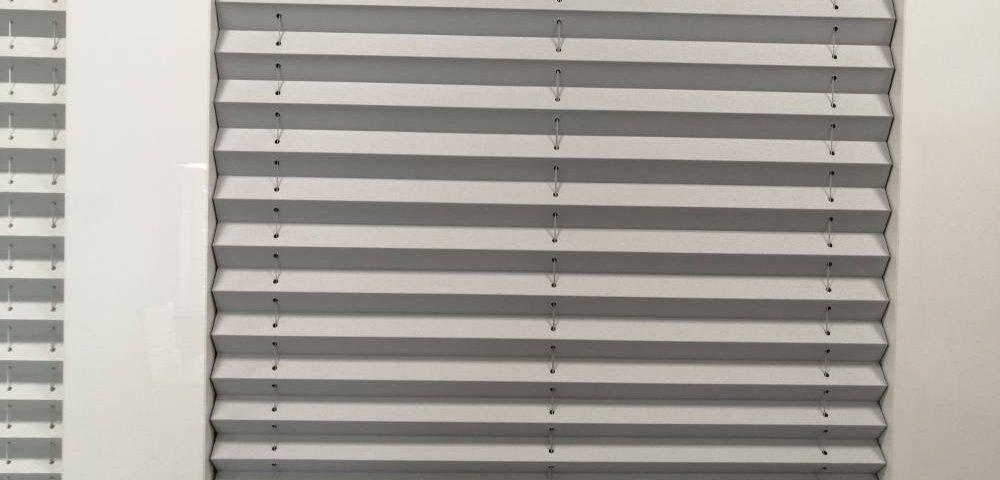Jak zrobić pomiar do plis na okna dachowe